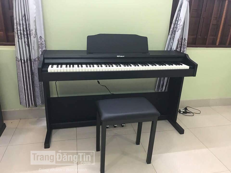 ????Piano điện Roland RP-102