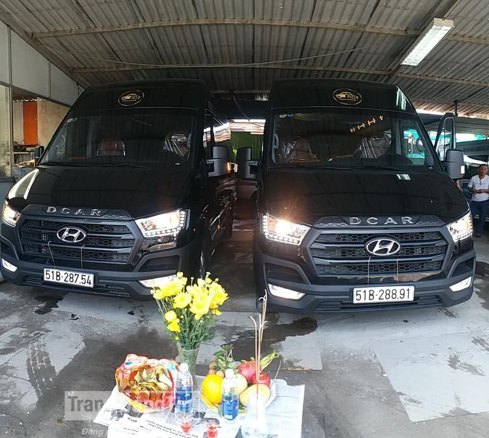 Car rental in Danang Vietnam for a private group tour